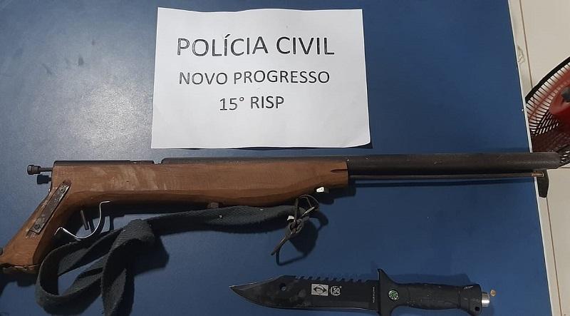 A arma usada no crime, , também foi localizada.Foto:Divulgação Policia)