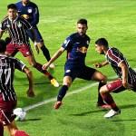 Atlético-GO marca no fim e elimina o Fluminense na Copa do Brasil