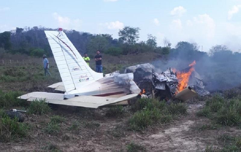 Avião ficou destruído pelo fogo (Foto:Arquivo)