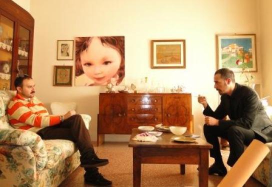 Gianluca Fedele conversa con l'artista