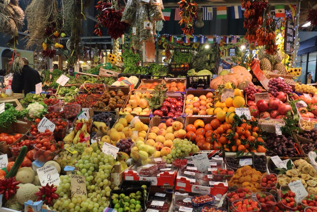 A visit to the San Lorenzo mercato centrale in Florence