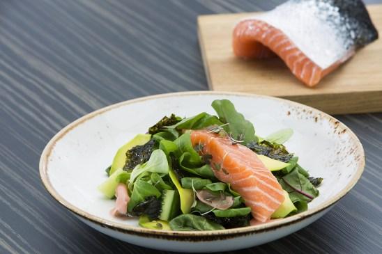Salmon-fillet-salads-small.JPG