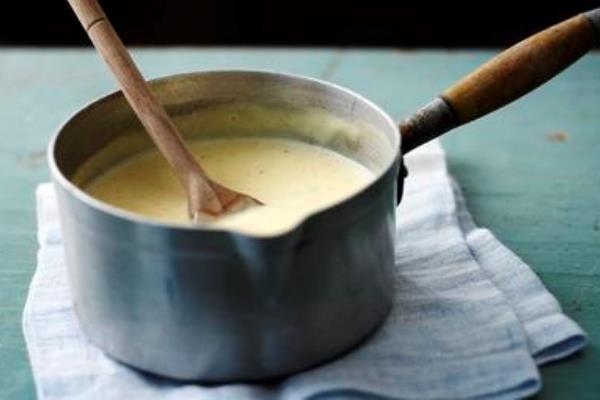 La ricetta della crema pasticcera: tutti i segreti per farla perfetta!