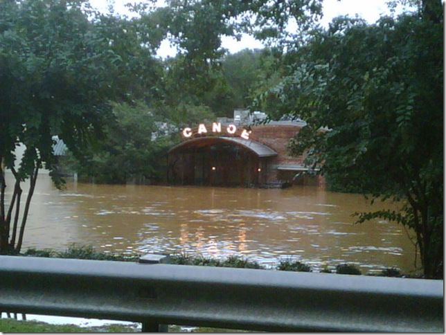 canoe_under_water