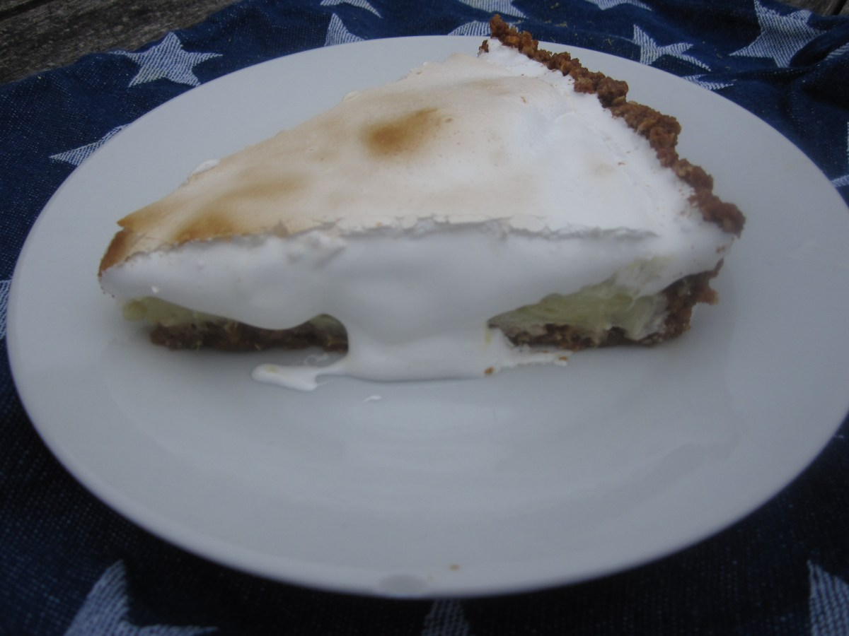Miss American Pie (4th of July Toasted Marshmallow Topped Key Lime Pie)