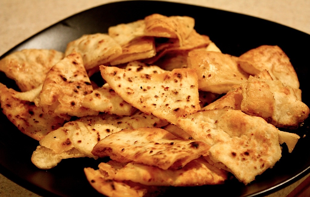 Simple Pita Chips Recipe | Food Republic