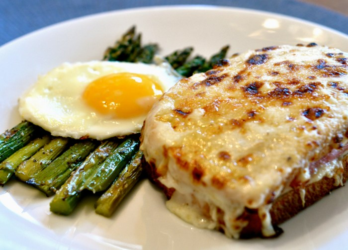 Simple Croque Monsieur Recipe - Food Republic