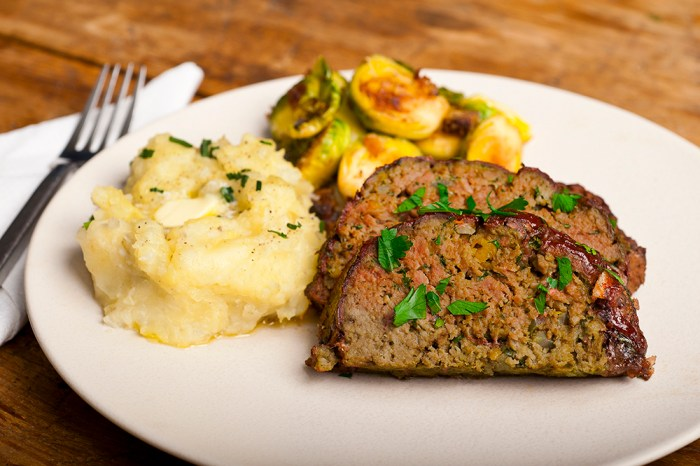 Easy Meatloaf Recipe - Food Republic