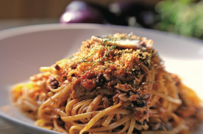 Zakary Pelaccio's Pasta Con Sarde Recipe | Food Republic