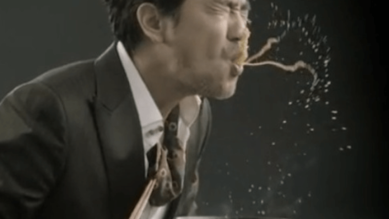 Video: Did You Know That There Is A Manly Way To Eat Ramen Noodles?