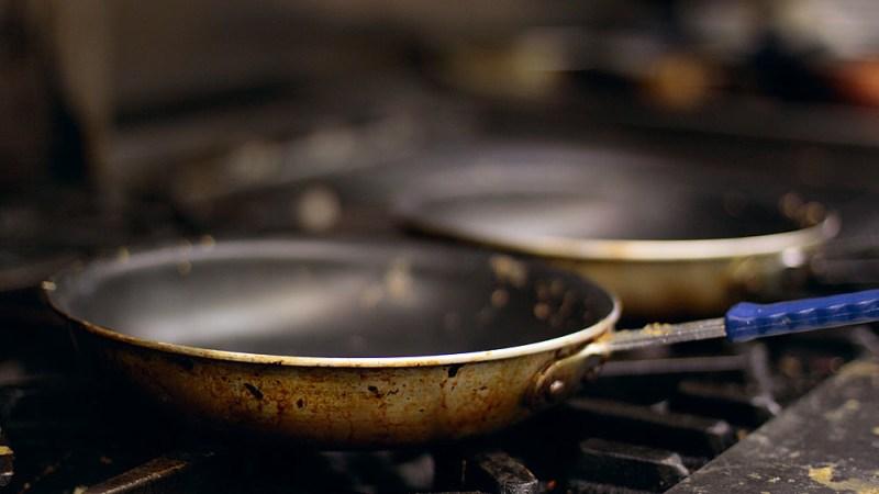 Do You Need To Oil A Non-Stick Pan?