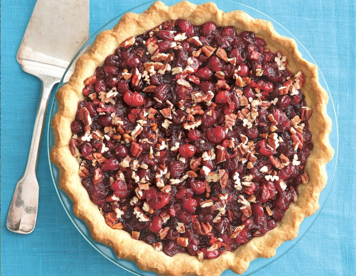 This pie is sure to please that Thanksgiving crowd. (Photo: Romulo Yanes.)