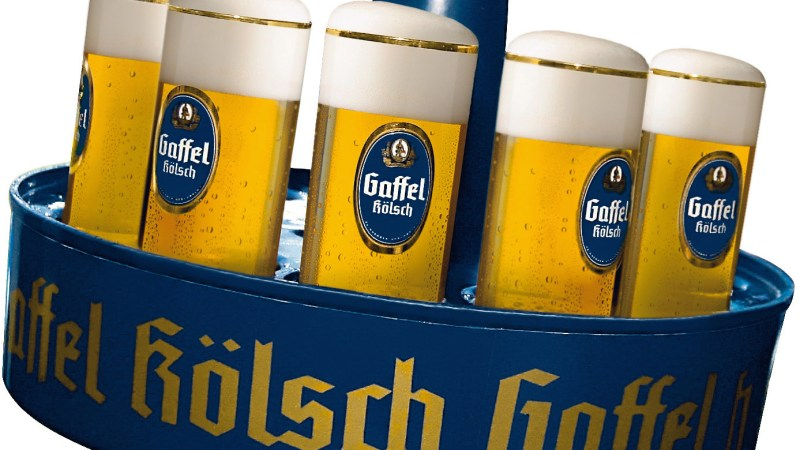 DFB Länderspiel Deutschland - Belgien am 31.03.2004 im Rhein Energie Stadion Köln. Zur redaktionellen Verwendung. Abdruck bei Namensnennung honorarfrei. Foto: Valéry Kloubert. tel. +49 (0)700 55682378.