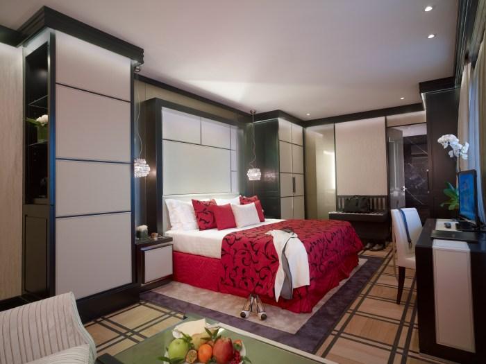 Carlton_Hotel_Baglioni_Grand_Deluxe_Room_1