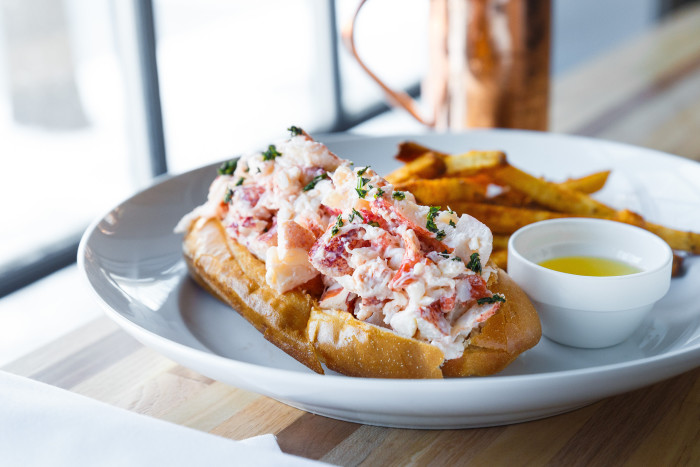 Chesapeake & Maine - Lobster Roll 3