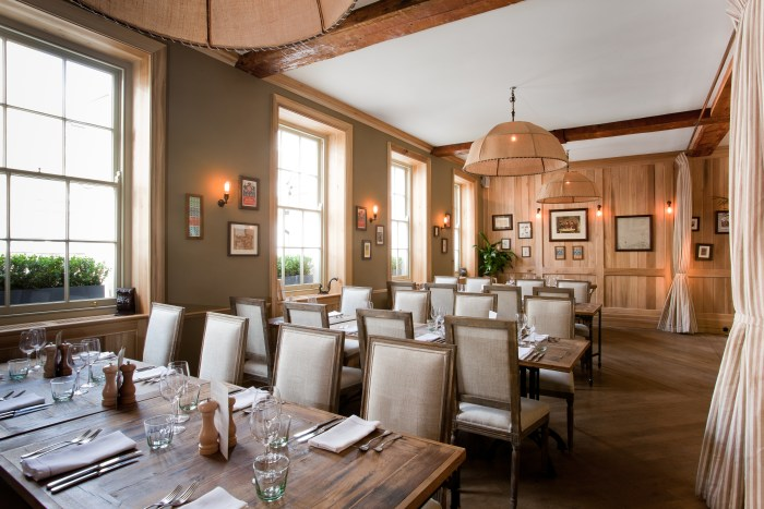 7 london gastropubs propelling british cuisine food republic for Deco style campagne anglaise 2