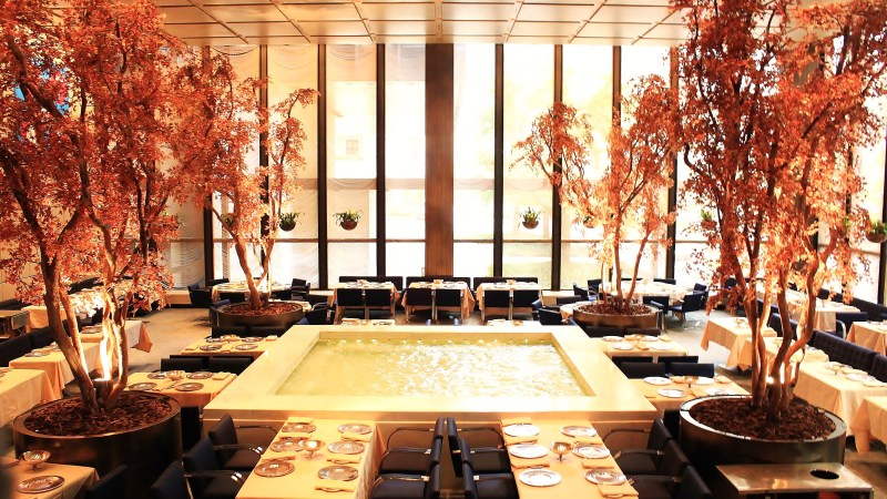 Four_Seasons_Restaurant-_The_Brilliant_Pool_Room (1)