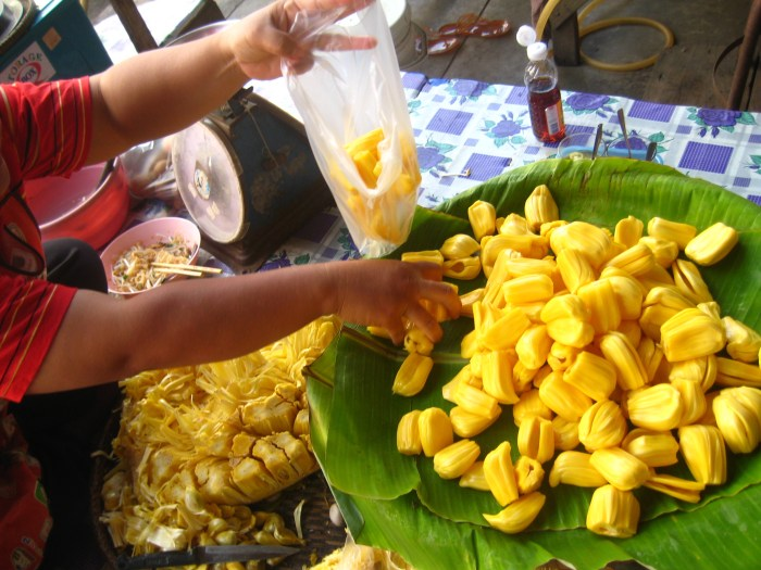 what is jackfruit and how do you cook with it?  food republic, Natural flower