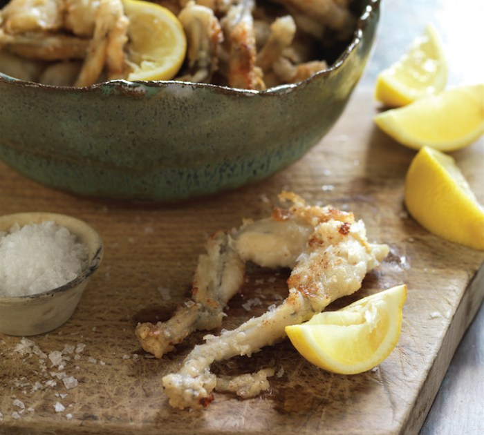 how to cut frog legs