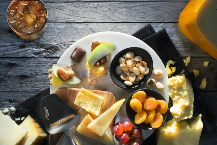 You can grab a plate of Murray's Cheese on your next flight between SFO/LAX and JFK. (Photo courtesy of Delta Air Lines.)