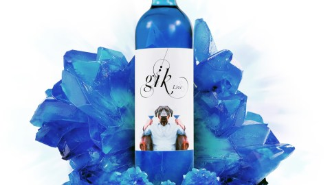 Will blue wine overshadow rosé? (Photo courtesy of Gïk.)