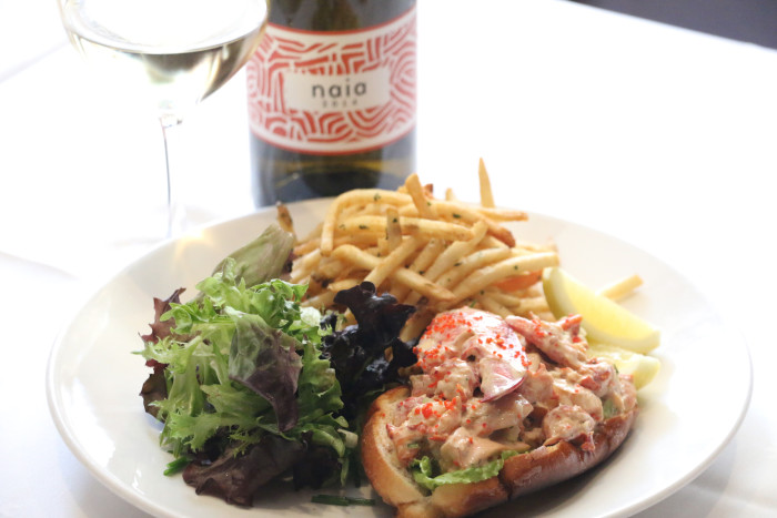 Grill 23 and Bar Lobster Roll 2