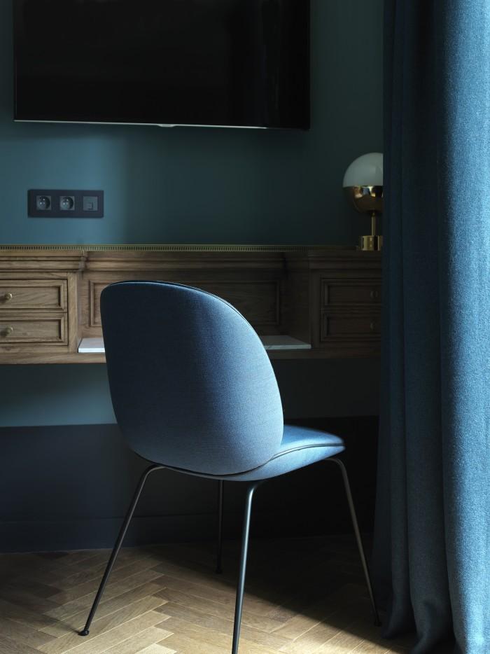 hotel_bedroom2
