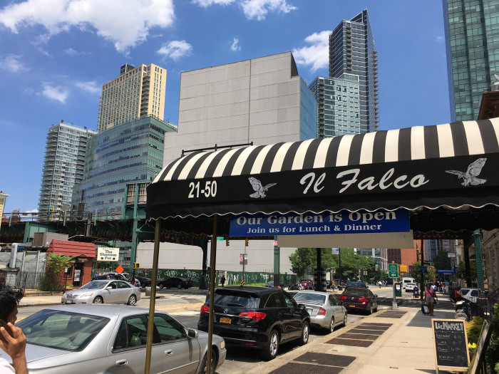 Long Island City Il Falco
