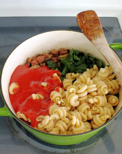 Chicken Apple Sausage and Kale One Pot Pasta