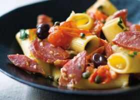 BACKGROUND-Rigatoni-with-spicy-italian-salami