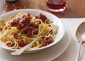 BACKGROUND spaghetti bolognaise