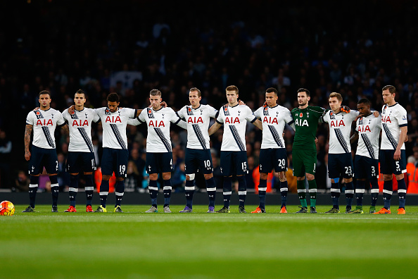 LONDON, ENGLAND - NOVEMBER 08:  The Spurs team line up before the Barclays Premier League match between Arsenal and Tottenham Hotspur at Emirates Stadium on November 8, 2015 in London, England.  (Photo by Julian Finney/Getty Images)