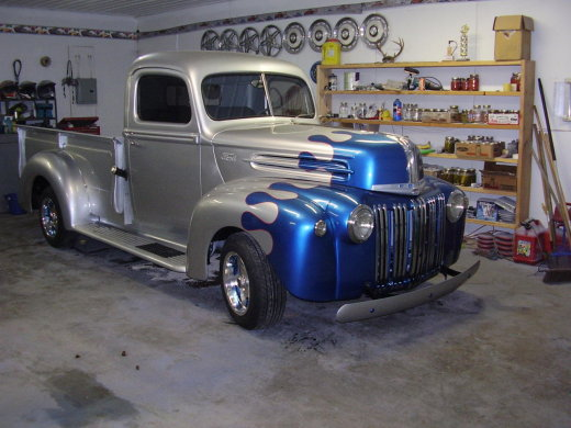 1946 Ford F3 4x2-My old 1946 1 Ton pick up