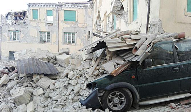 Una veduta di Amatrice dopo la scossa di terremoto, 24 agosto 2016. ANSA/ LUCA PROPERI