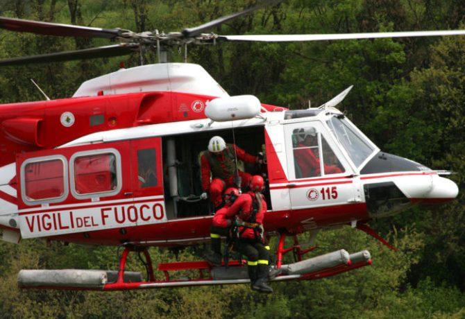 elicottero-vigili-del-fuoco-696x522