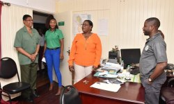 Minister Broomes meeting with staff of the GFC.
