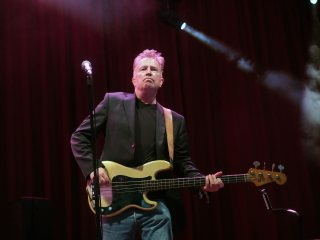Tom-Robinson-Glastonbury-2015-bass