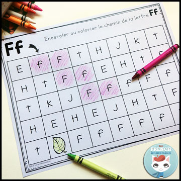 French Alphabet Centers - letter mazes: coloring (or dabbing, or circling) the focus letters. Centres de littératie - l'alphabet.