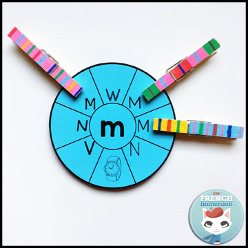 French Alphabet Centers - round clip cards: matching lowercase (in the center) to uppercase letters. Centres de littératie - l'alphabet.
