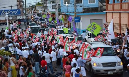 Michelle Gustin se perfila al triunfo, Tamiahua le da respaldo