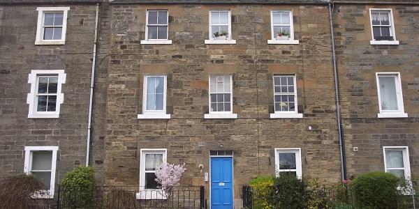 1 bed main door flat with private garden in Newhaven