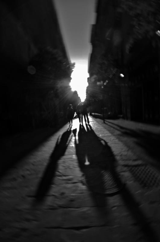 Sombras (RAFAEL PAJARES GONZALEZ)