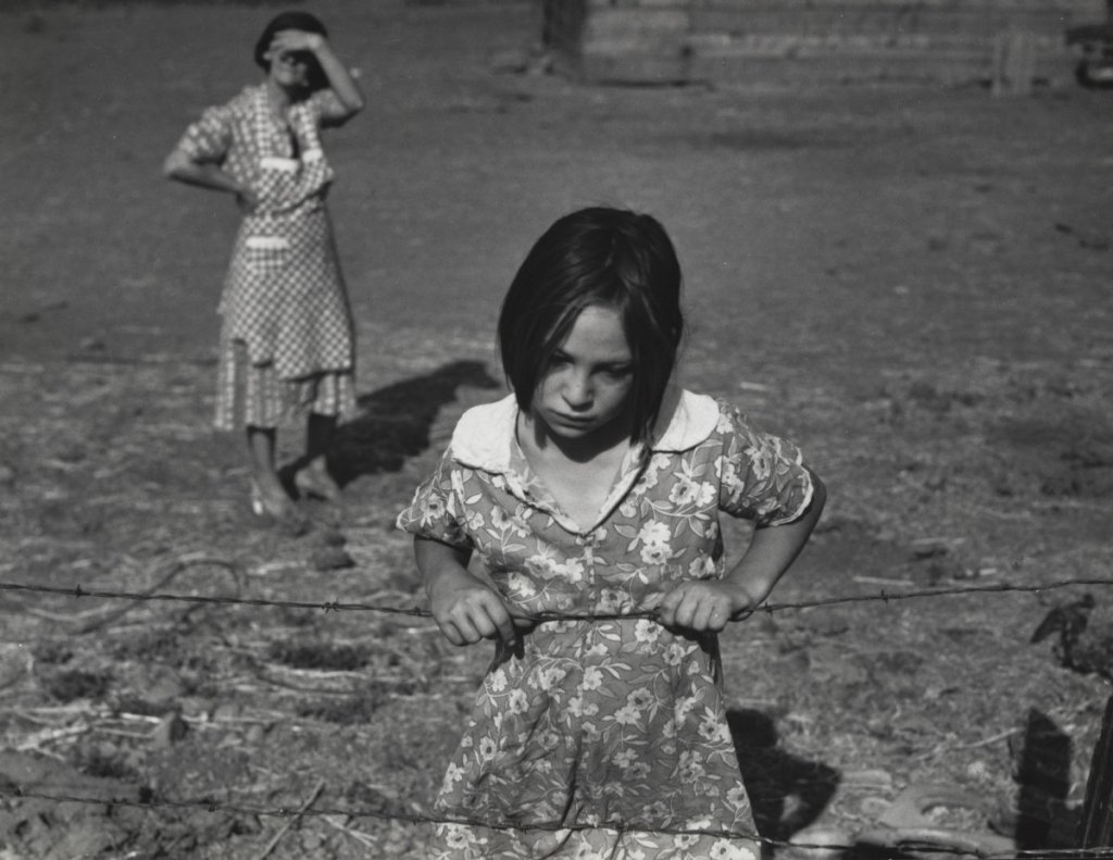 Dorothea Lange, Child and Her Mother, Wapato, Yakima Valley, Washington, 1939