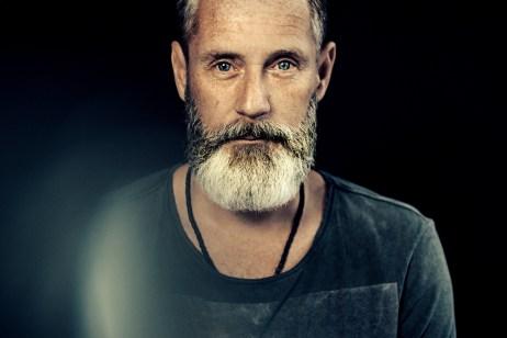 Mann-Portrait-Bart-web