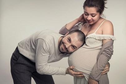 Mann-und-Frau-Babybauch-web