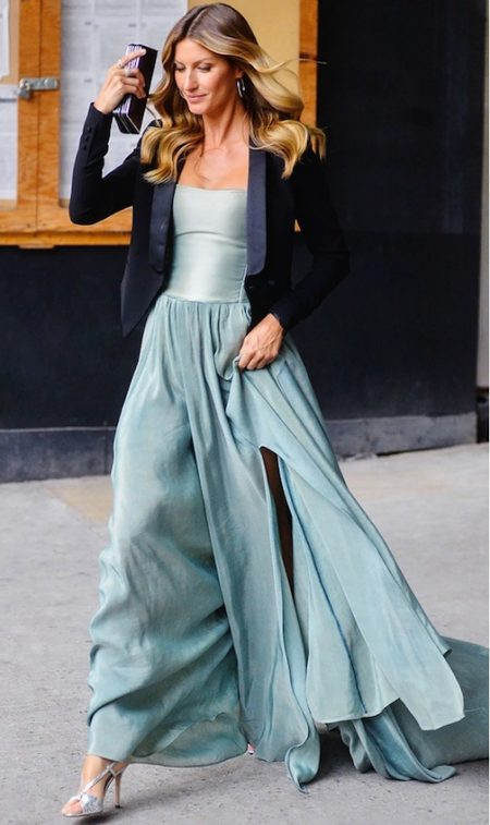 Celebrity Style Steal: Gisele Bundchen's Easy Chic Evening Look