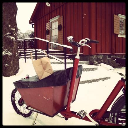 Bakfiets & snow, Stockholm, Sweden