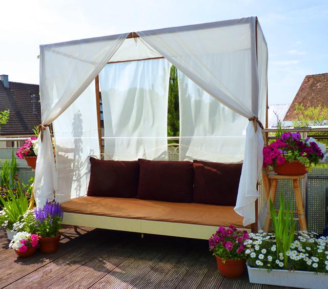 DIY Canopy Bed (outdoor)