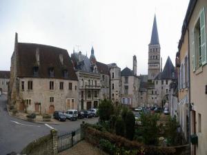 La Charite Sur Loire Tourism Holiday Guide