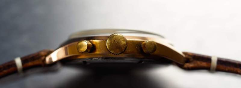 "A side view of the Jardur 850 showing the large winding crown and thick ""unbreakable"" crystal"